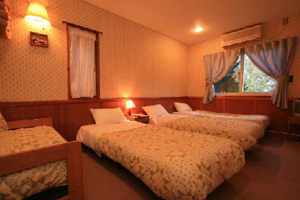 フライングジープ3人部屋