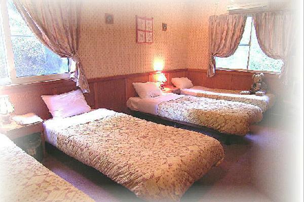 フライングジープ4人部屋
